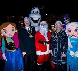 Festive fever! Town hall sparkles for Rochdale's Christmas switch on